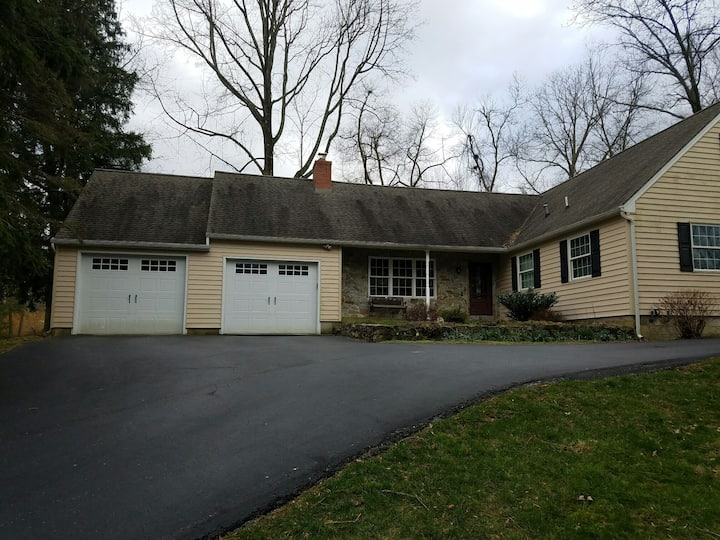 Beautiful Home in the Exton Area2