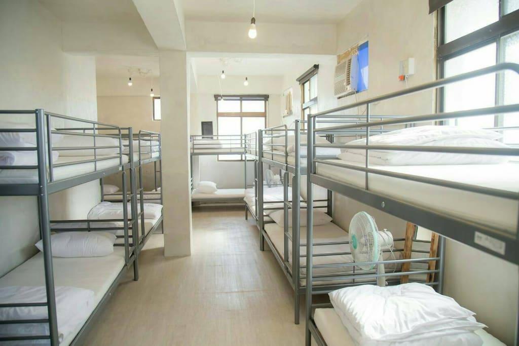 Dormitory Bed(背包床位)