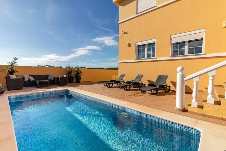 Flatguest Villa Veneguera + Seaview + Pool + Garden