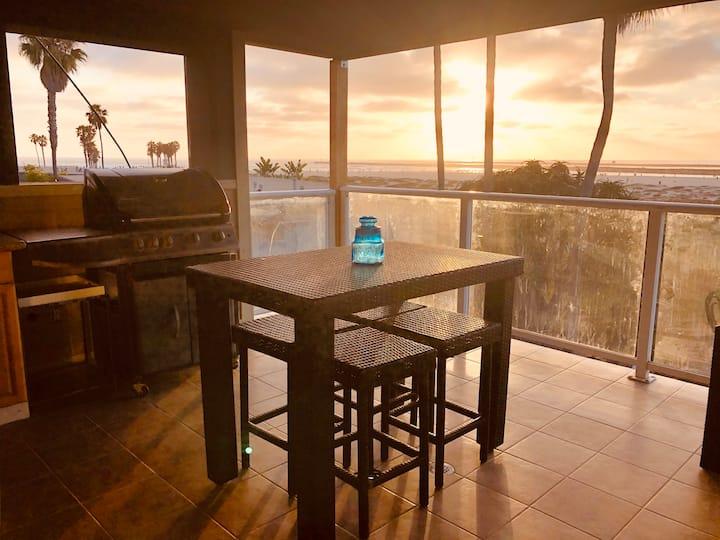 The OB Dog Beach Penthouse Suite