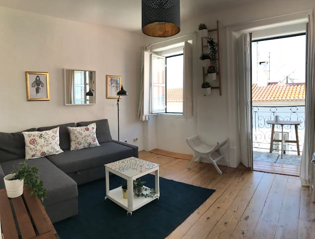 Pl - Beautiful flat in prime location! Great view