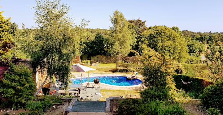 Farnham, Amazing views, Swimming Pool, 3 bedrooms