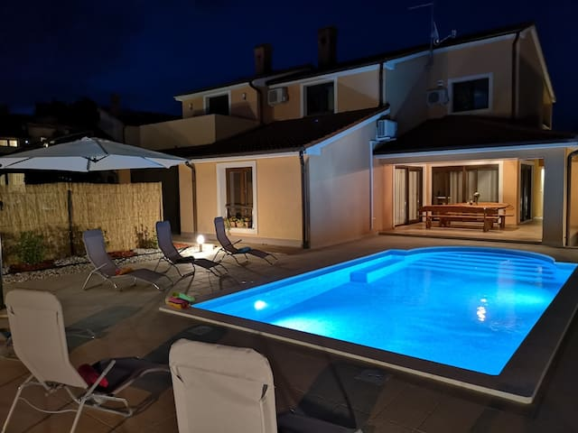 NEW Villa Bartona for 8 persons- private pool 35m2