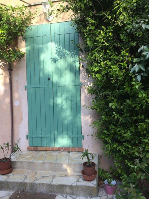 Main entrance/ front door