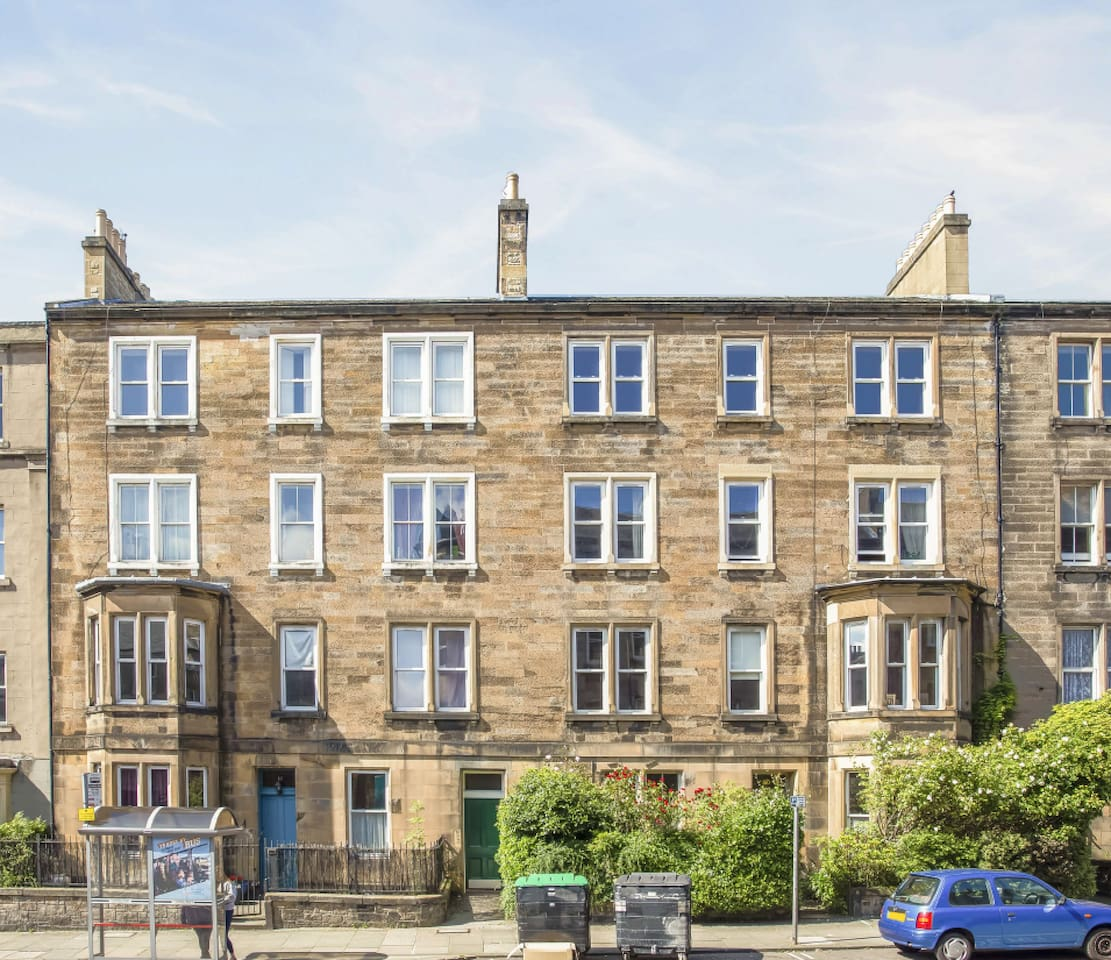 A huge, bright, Edinburgh tenement flat