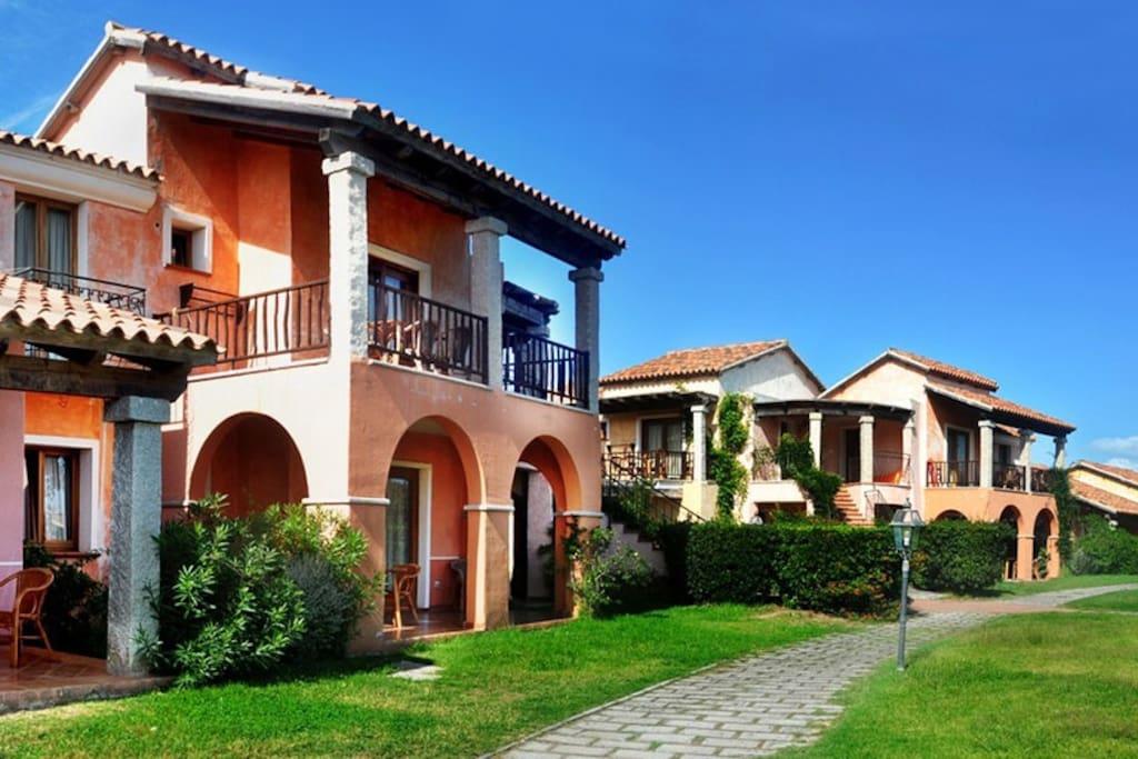 Appartamento in villaggio sul mare appartamenti in for Appartamenti san teodoro privati