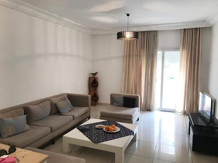 Bel Appartement avec Térasse à Ezzahra