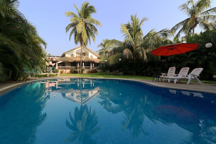 4 Bedroom Beach Villa Mira - Goa del norte - Villa