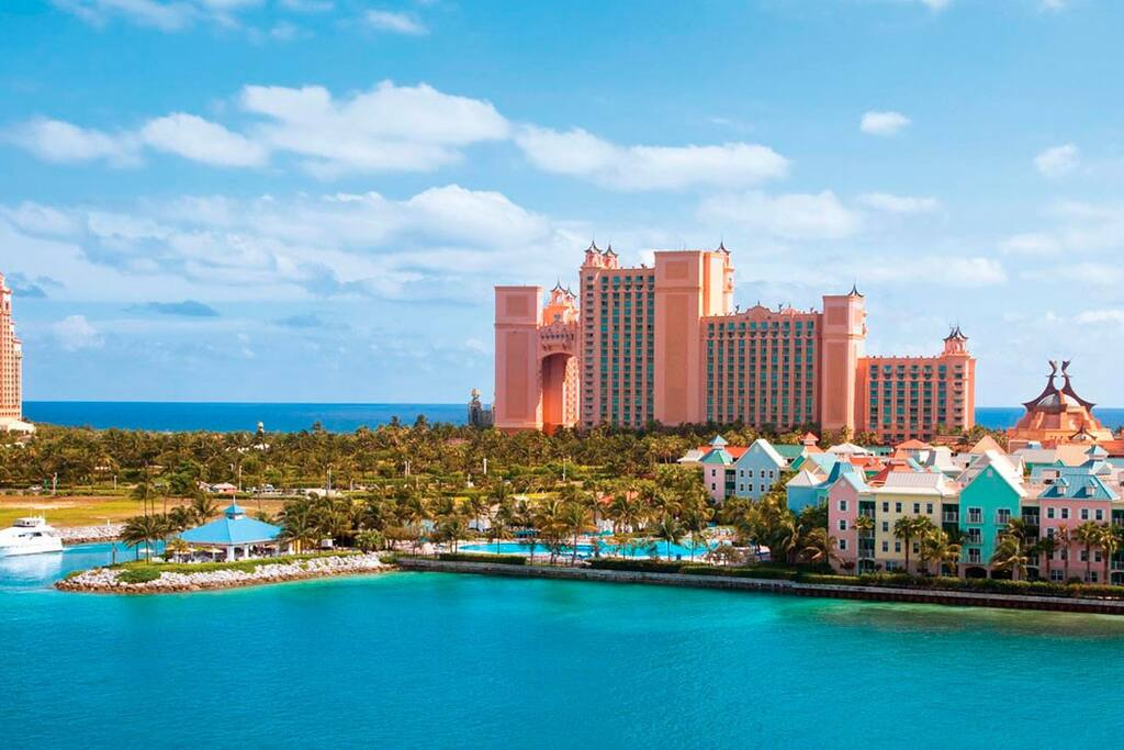 Photo of Harborside at Atlantis and Atlantis hotel