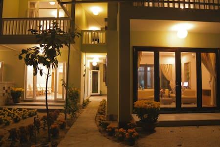 Jolie Villa Hoi An Homestay- Family - tp. Hội An