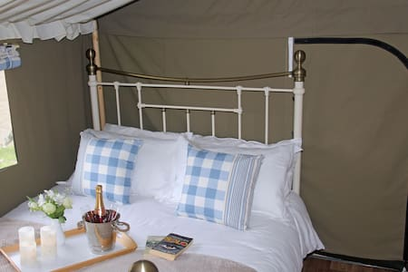 Lower Keats Glamping Safari Lodge 6 Sleeps 6