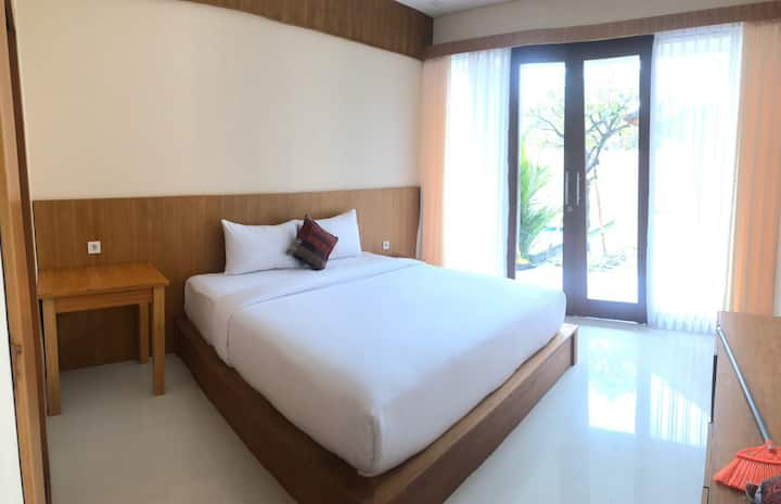 Comfy room w/ pool in Canggu #5