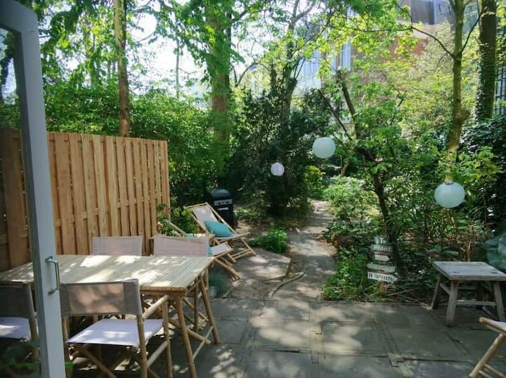 Spacious beachhouse with garden