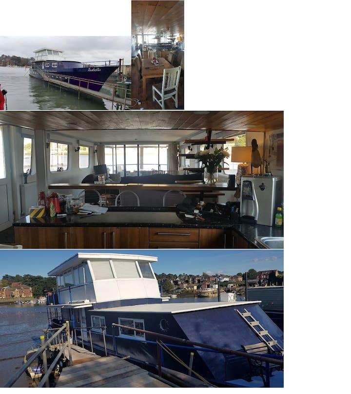 Its an amazing houseboat