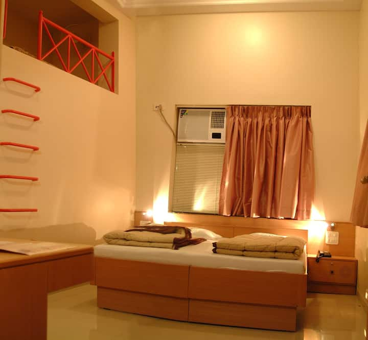 Deluxe Room with bunk bed in Hotel Ravikiran