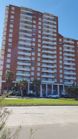 Edificio La Riviera 2º Piso frente al mar
