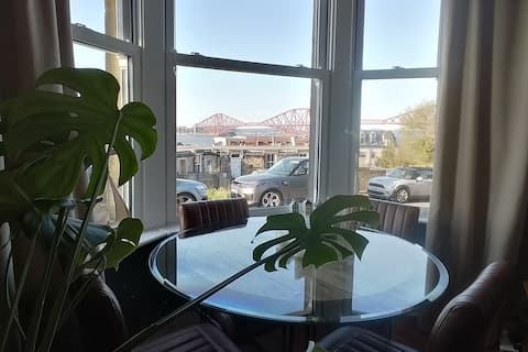 Fabulous main door flat with fantastic views.