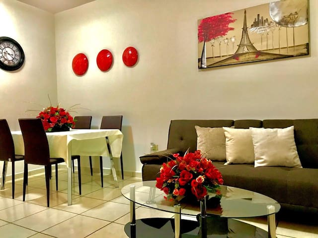 Comfortable & Nice Apartment / Near the Malecon