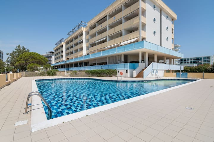 Cozy Apartment in Bibione Pineda with Swimming Pool