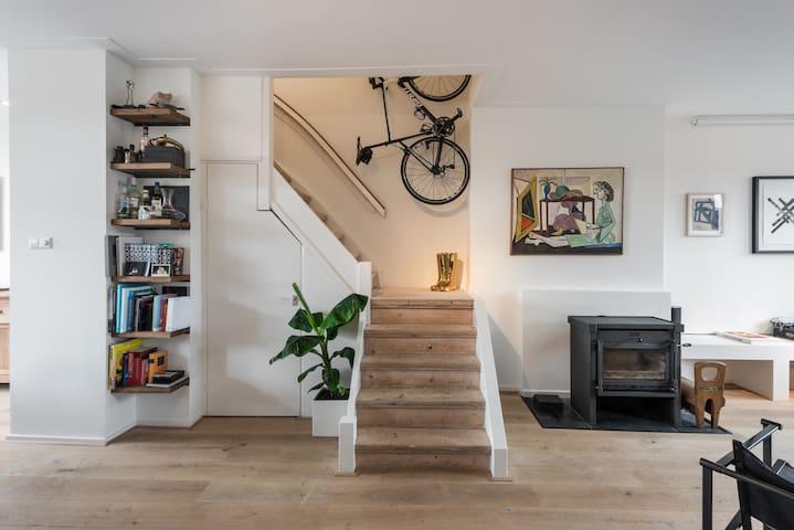 Bohemian and arty apartment! Great location! - Амстердам - Квартира
