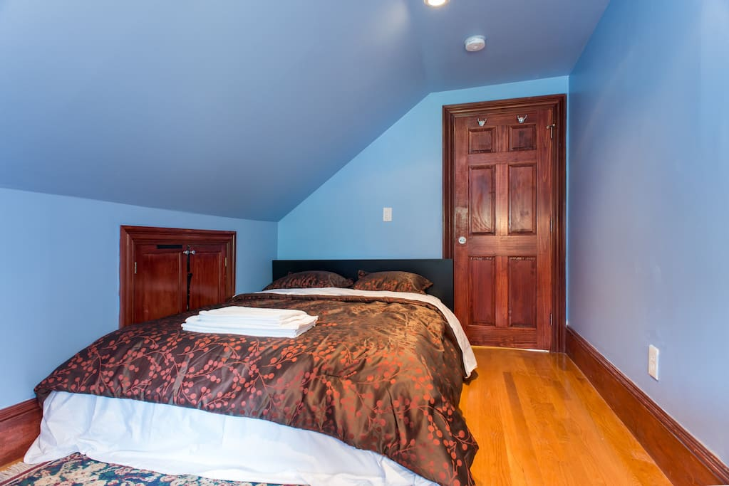 Cosy Loft Near Subway T With Private Parking 3 Apartments For Rent In Quincy