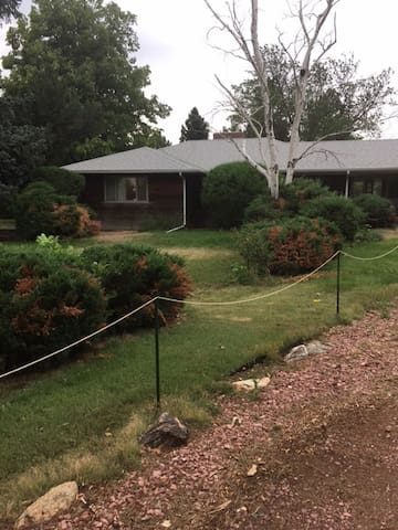 50's Charmer on 3.5 acres - Littleton - Huis