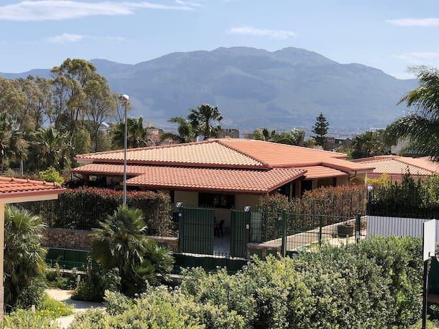 Villa gelsomino marinalonga 200 mt dal mare case in for Case arredate in affitto a carini
