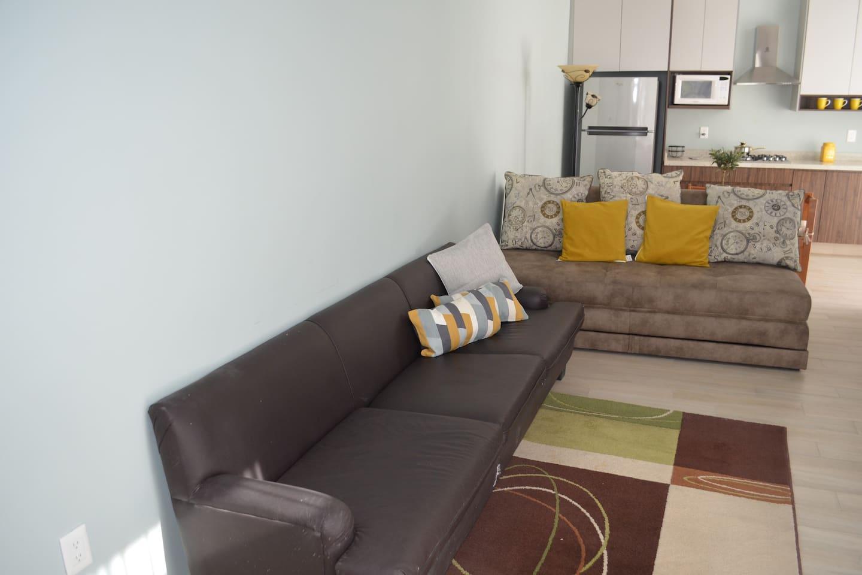 First floor apt w/ parking washing machine & dryer