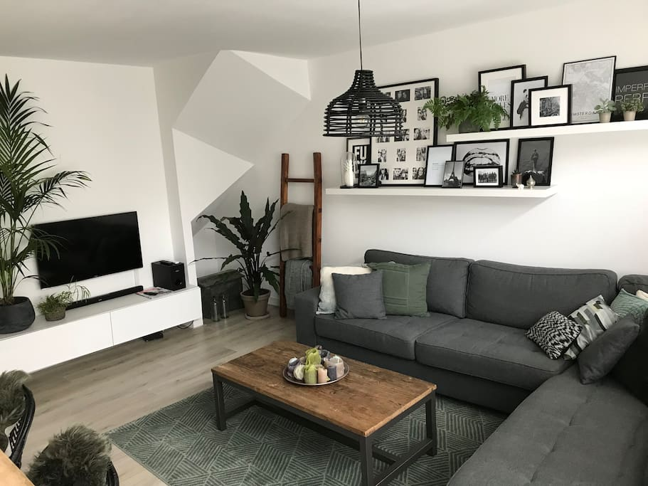 Livingroom with a TV. WiFi is possible.