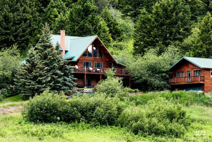 Custom Log Home on 45 Acres ~ Hot Tub & Creek~