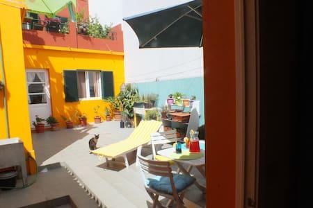 """""""Chez Dany"""",  no centro de Ponta Delgada"""