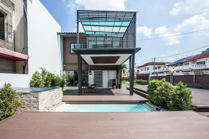 Hin's Villa @ Tanjung Bungah