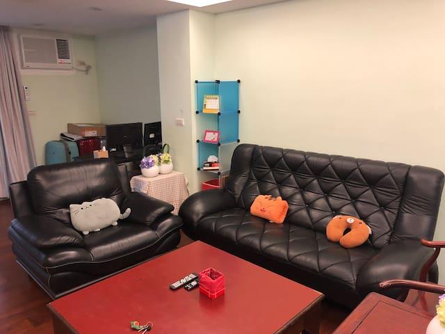 來家。Elijah's Home。2間雙人房+客廳,可住2-6人-近瑞芳火車站、美食廣場