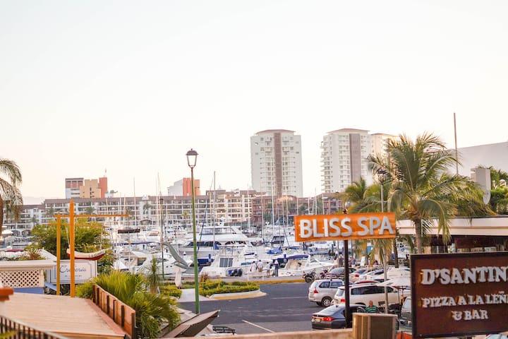 """Marina del Rey """"Casa Grace"""" - Puerto Vallarta"""