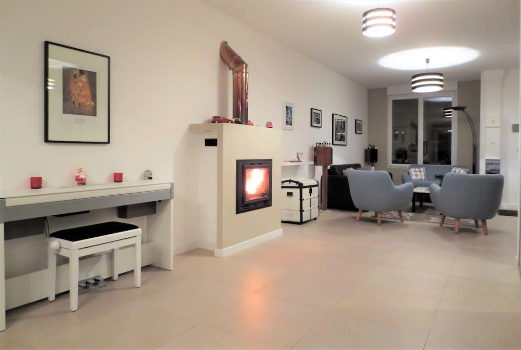 2 chambres et salle de bains priv e maisons de ville louer reims champagne ardenne france. Black Bedroom Furniture Sets. Home Design Ideas