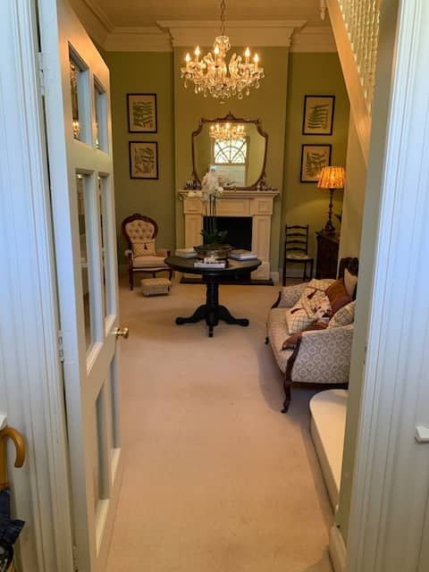 Country house - Private East Wing Apartment