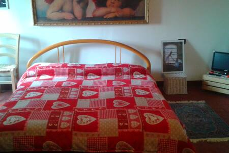 camera  matrimoniale  disponibile - San Benedetto Po - Aamiaismajoitus