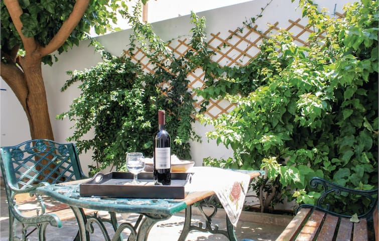 Holiday cottage with 2 bedrooms on 70m² in Artemida Attikis