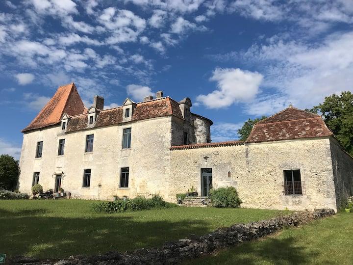 Charmant Gîte au Château