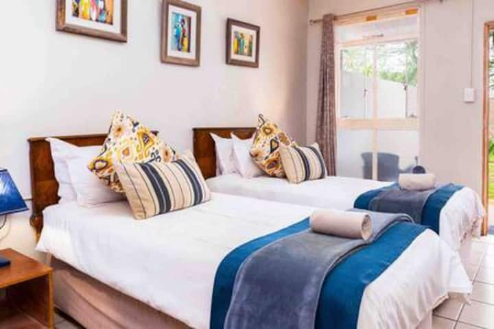 Biweda Nguni B&B - Twin Room