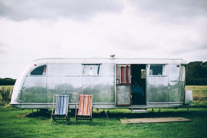 1940's classic American caravan
