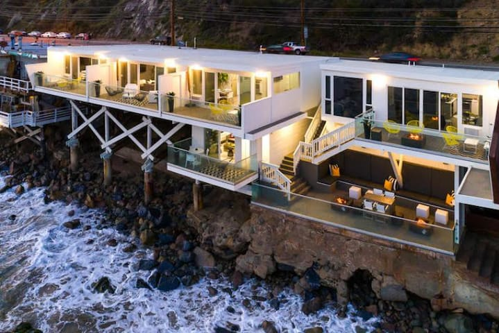 Luxury Oceanfront Complex, Perfection w/ Endless Views