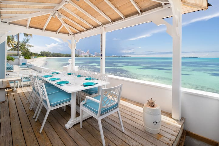 Exclusive house on the beach 7bdr