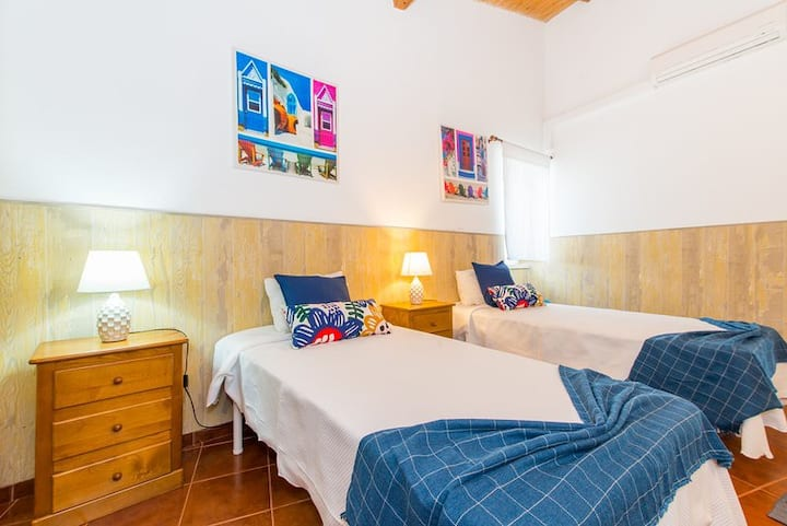 15min from Santa Luzia and Barril Beach away, Wifi and Private Pool