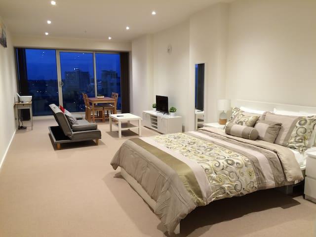 Stunning CBD Studio Apartment With a View - V707