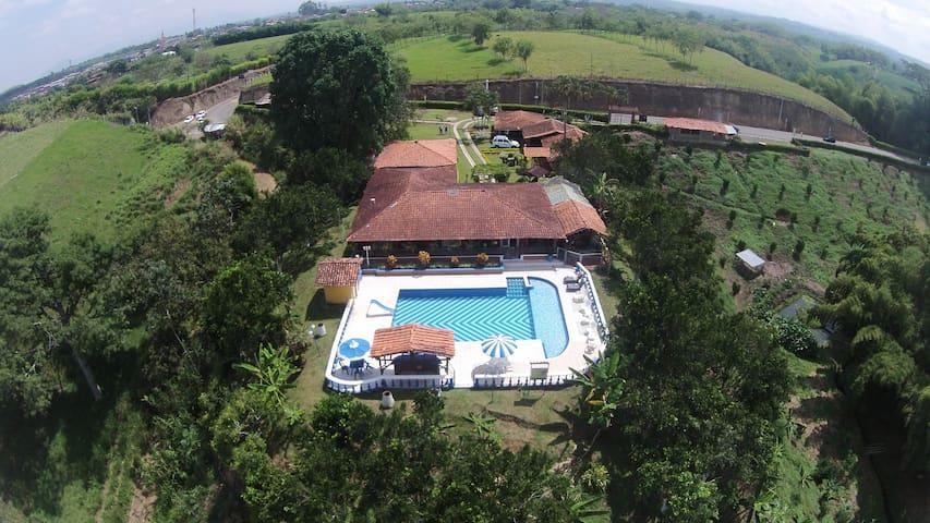 Finca Hotel Villa Luzandi - Habitacion 1