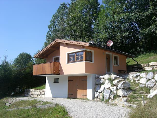 Ferienchalet in der Natur - Gaißau - House