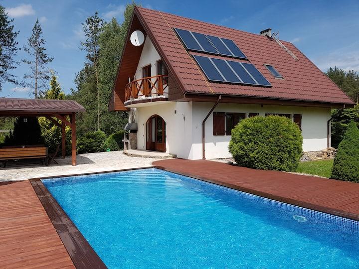 Kaszuby - dom z basenem i sauną
