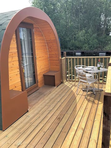 Floating Glamping Pod: Swans Nest 2