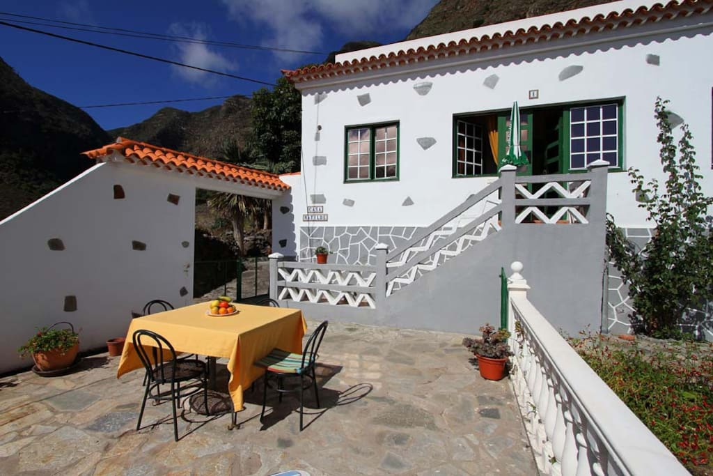die Terrasse und der Eingangsbereich zur Casa Matilde 1